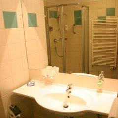 Ramada Airport Hotel Prague 4* Номер Бизнес с двуспальной кроватью фото 5