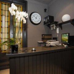 Отель Hostal Aresol Испания, Мадрид - отзывы, цены и фото номеров - забронировать отель Hostal Aresol онлайн гостиничный бар