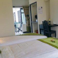 Отель Starfruit Homestay Hoi An 2* Стандартный семейный номер с двуспальной кроватью фото 11