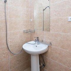 Отель Tiflisi Guest House 2* Стандартный семейный номер с двуспальной кроватью фото 9