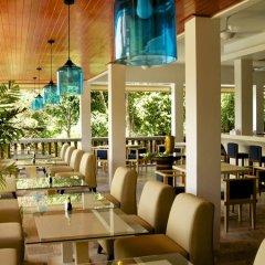 Отель Amala Grand Bleu Resort питание