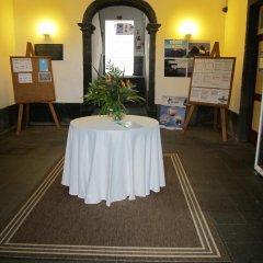 Отель Pousada de Juventude de Ponta Delgada Понта-Делгада помещение для мероприятий