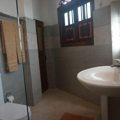Отель Thaproban Beach House 3* Стандартный номер с различными типами кроватей фото 7