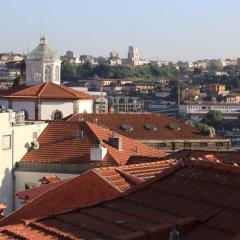 Being Porto Hostel Стандартный номер с двуспальной кроватью (общая ванная комната) фото 2