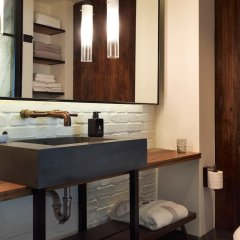 Отель 1 Hotel Central Park США, Нью-Йорк - отзывы, цены и фото номеров - забронировать отель 1 Hotel Central Park онлайн ванная фото 2