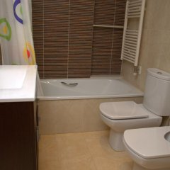 Отель Apartamentos Navas 2 Барселона ванная фото 2