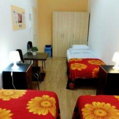 Budapest Budget Hostel Стандартный номер с различными типами кроватей (общая ванная комната) фото 22
