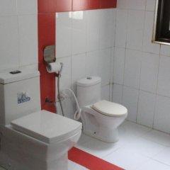 Отель Nippon Villa Beach Resort Хиккадува ванная