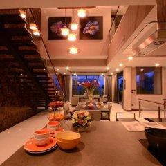 Отель AQUA Villas Rawai 4* Стандартный номер с разными типами кроватей фото 32