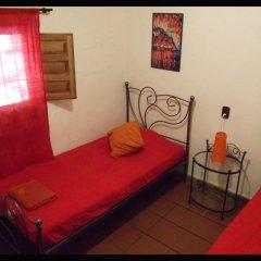 Отель Fundalucia 2* Стандартный номер с 2 отдельными кроватями (общая ванная комната) фото 4
