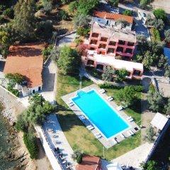Отель Aliki Beach Hotel Греция, Галатас - отзывы, цены и фото номеров - забронировать отель Aliki Beach Hotel онлайн бассейн фото 3