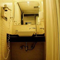 goStops Delhi (Stops Hostel Delhi) Кровать в общем номере с двухъярусной кроватью фото 23