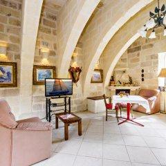 Отель Vecchio Mulino B&B Мальта, Зеббудж - отзывы, цены и фото номеров - забронировать отель Vecchio Mulino B&B онлайн комната для гостей фото 4