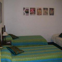 Отель Puerta del Sol Rooms Стандартный номер с двуспальной кроватью (общая ванная комната) фото 4