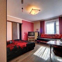 Апартаменты Apartments on Pyatiletok комната для гостей фото 4