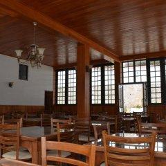 Отель Yoho River Side Inn питание