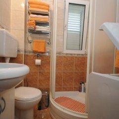 Отель Bjelica Apartments Черногория, Будва - отзывы, цены и фото номеров - забронировать отель Bjelica Apartments онлайн ванная