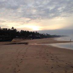 Drifters Hotel & Beach Restaurant пляж фото 2