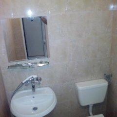 Отель Ambrozia Guest Rooms Сандански ванная