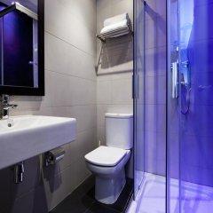Отель Hostal Bcn Ramblas Стандартный номер с 2 отдельными кроватями фото 19