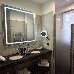 Отель Room Mate Alain 4* Улучшенный номер с различными типами кроватей фото 9