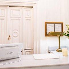 Отель 11Th Principe By Splendom Suites Мадрид сейф в номере