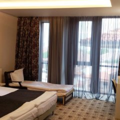 National Palace Hotel 4* Стандартный семейный номер разные типы кроватей фото 4