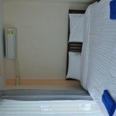 Отель Jomthong Guesthouse 2* Стандартный номер с двуспальной кроватью фото 13