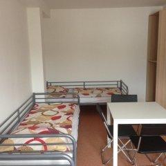 Hostel Bohemia Кровать в общем номере с двухъярусной кроватью