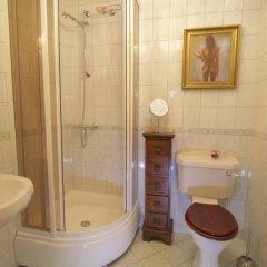 Отель Rapunzel Tower Apartment Эстония, Таллин - отзывы, цены и фото номеров - забронировать отель Rapunzel Tower Apartment онлайн ванная