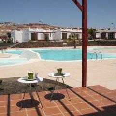 Отель Sun Beach 22 бассейн
