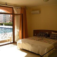 Апартаменты Palazzo Apartment Lew Солнечный берег комната для гостей фото 2