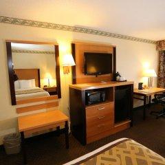 Отель Magnuson Grand Columbus North 3* Стандартный номер с различными типами кроватей фото 3