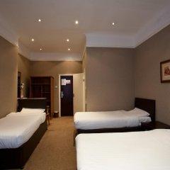 Newham Hotel 2* Стандартный семейный номер с двуспальной кроватью фото 12