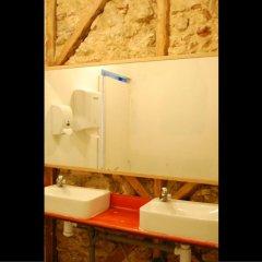 Alface Hostel Лиссабон ванная