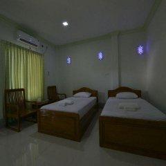 Отель Mya Kyun Nadi Motel 2* Улучшенный номер с различными типами кроватей фото 4