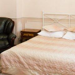 Мини-отель Версаль на Маяковской 2* Стандартный семейный номер разные типы кроватей (общая ванная комната) фото 29