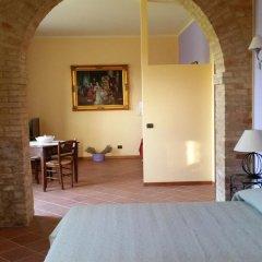 Отель B&b Cervare Монтелупоне комната для гостей фото 4