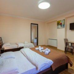 Отель Nine 3* Стандартный семейный номер с двуспальной кроватью