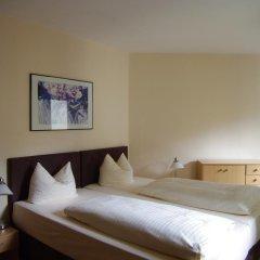Отель Am Sendlinger Tor 3* Кровать в общем номере фото 8