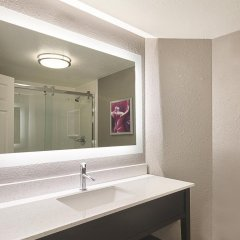 Отель La Quinta Inn & Suites Mpls-Bloomington West 3* Стандартный номер фото 4