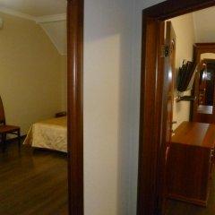 Гостиница Верона Стандартный семейный номер с разными типами кроватей