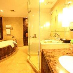 Dong Fang Hotel 4* Номер Делюкс с различными типами кроватей фото 4