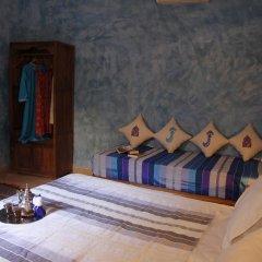 Отель Riad Azenzer комната для гостей фото 4
