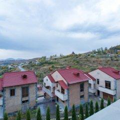 Отель Villa Casas Di Maria (Grande Casa) Армения, Цахкадзор - отзывы, цены и фото номеров - забронировать отель Villa Casas Di Maria (Grande Casa) онлайн балкон