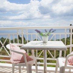 Апартаменты Brentanos Apartments ~ A ~ View of Paradise Студия с различными типами кроватей фото 3