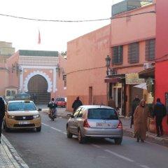 Отель Dar Ikalimo Marrakech парковка
