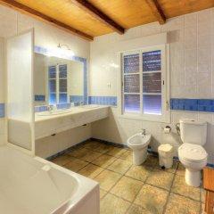 Отель Hacienda los Majadales Испания, Кониль-де-ла-Фронтера - отзывы, цены и фото номеров - забронировать отель Hacienda los Majadales онлайн ванная