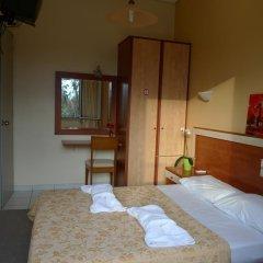 Hotel Ikaros сейф в номере