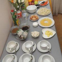 Отель Bed & Breakfast Bishkek 2* Кровать в мужском общем номере фото 13